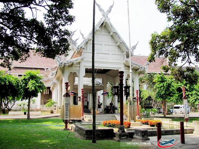 Một góc bên ngoài Bảo Tàng Quốc Gia Chiang Mai