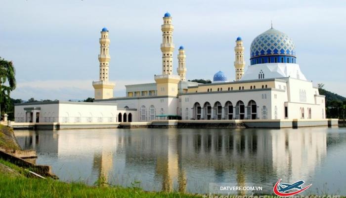 Nhà thờ Hồi giáo Majid Bandaraya ở Kota Kinabalu